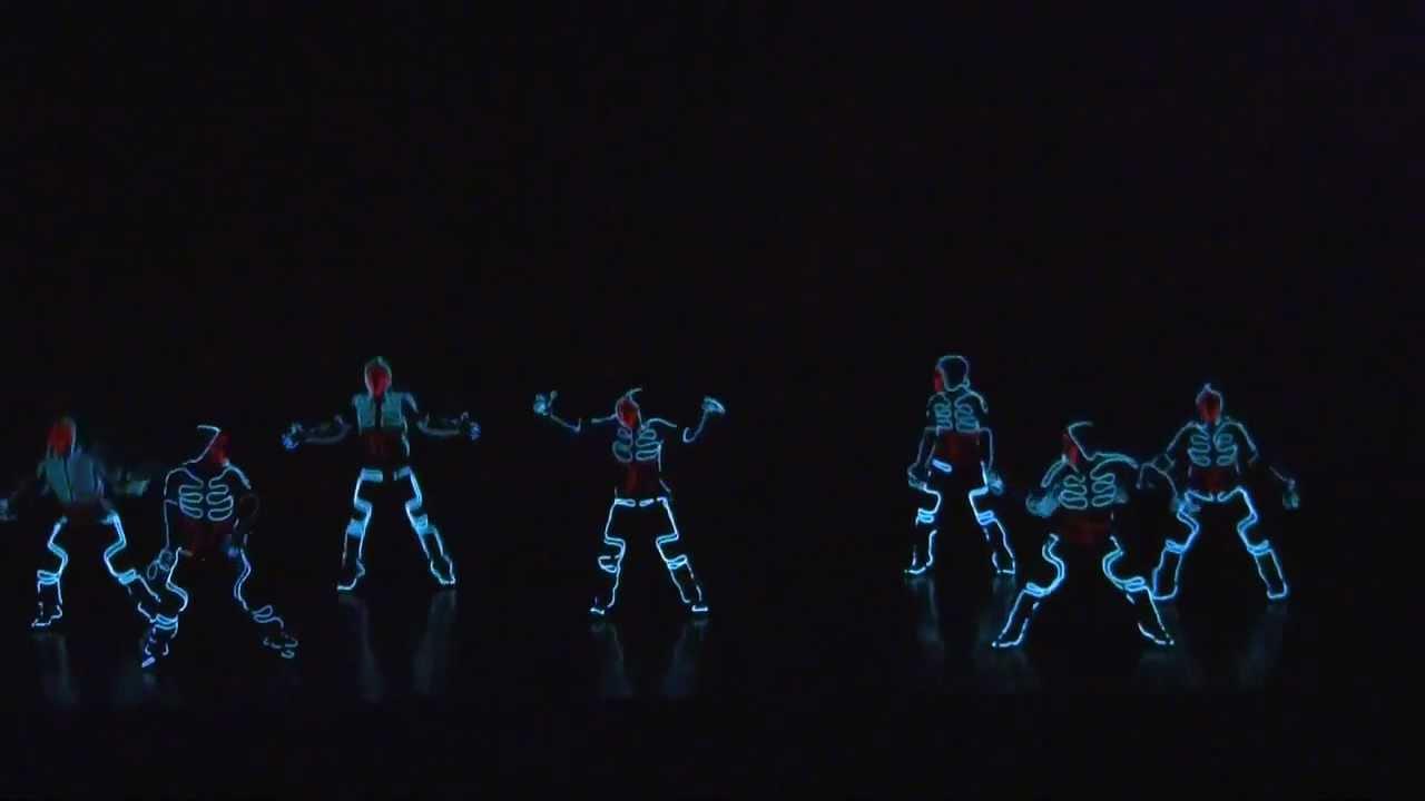 Bhangra Hd Wallpapers Alucinante Coreografia Al Estilo Tron Amazing Dance