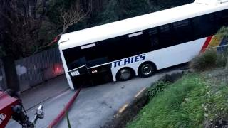 Stuck Bus on Buccleugh (Full )