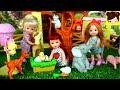 Bebe de Elsa y Sus Amigos Van de Excursion al Zoologico de Barbie - Historias de Muñecas | Titi