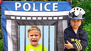 Diana and Roma Pretend Play Police