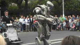 Robot at Street Performer's Fair, Dublin 2009