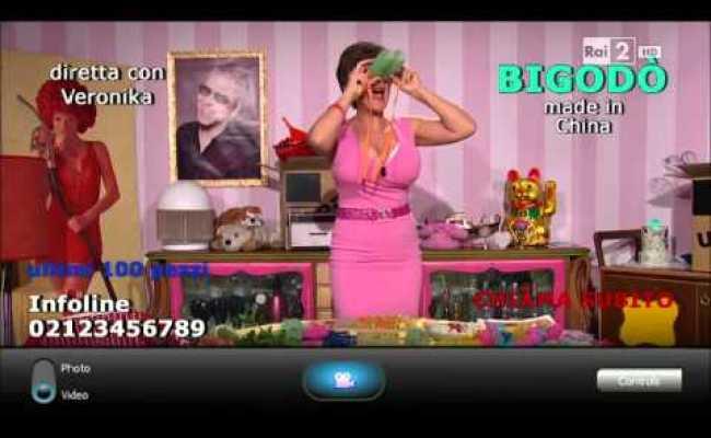 Televendita Di Indumenti Sexy Ad Anja Show Interpretato Da