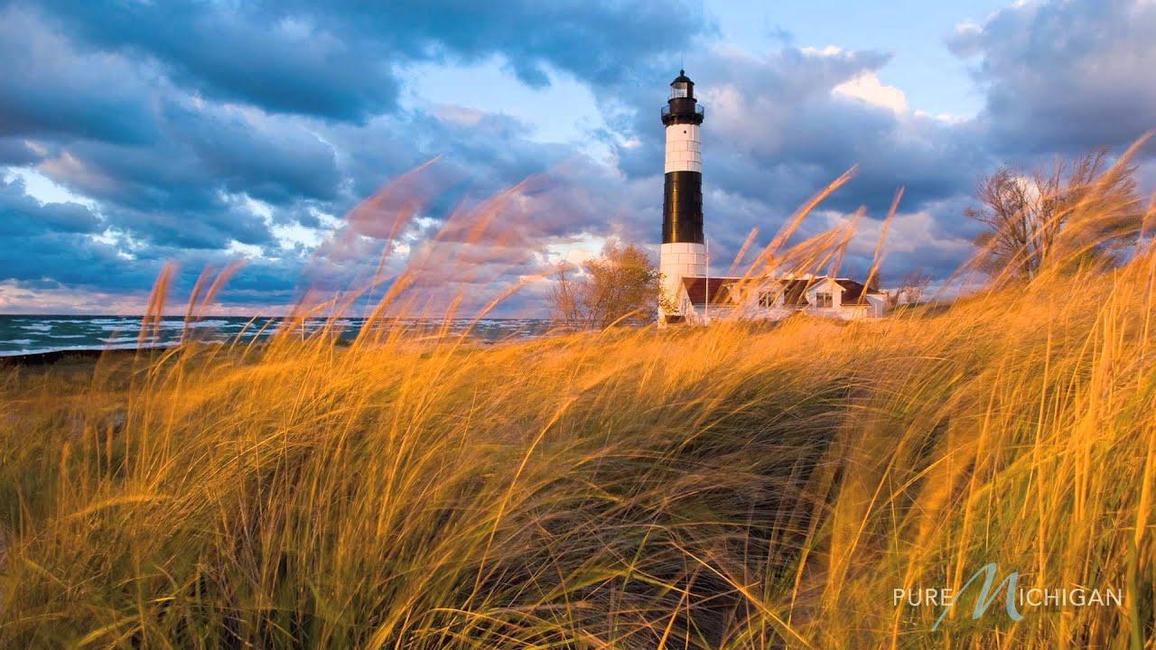 Pure Michigan Fall Wallpaper Lighthouses In Michigan A Pure Michigan Summer Youtube