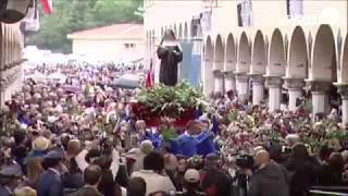 Processione di Santa Rita da Cascia nel giorno della sua festa