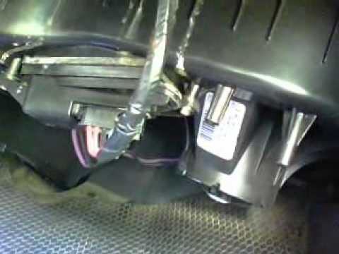 2006 Chevrolet Silverado 1500 Fuse Pannel Diagram Replace Blower Motor Resistor In 2004 Silverado Youtube