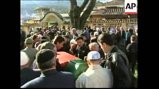 Macedonia: Tetovo 2: Police clash with ethnic Albanian guerrillas - 2001