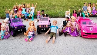 Racing Cars ! Elsa and Anna toddlers at the park – who's the winner? Barbie is organizer - prizes