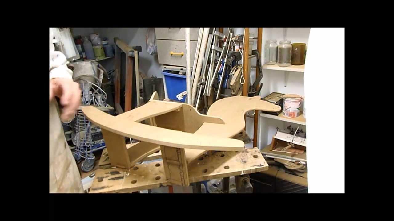 como se hace un caballito de madera para nios  YouTube
