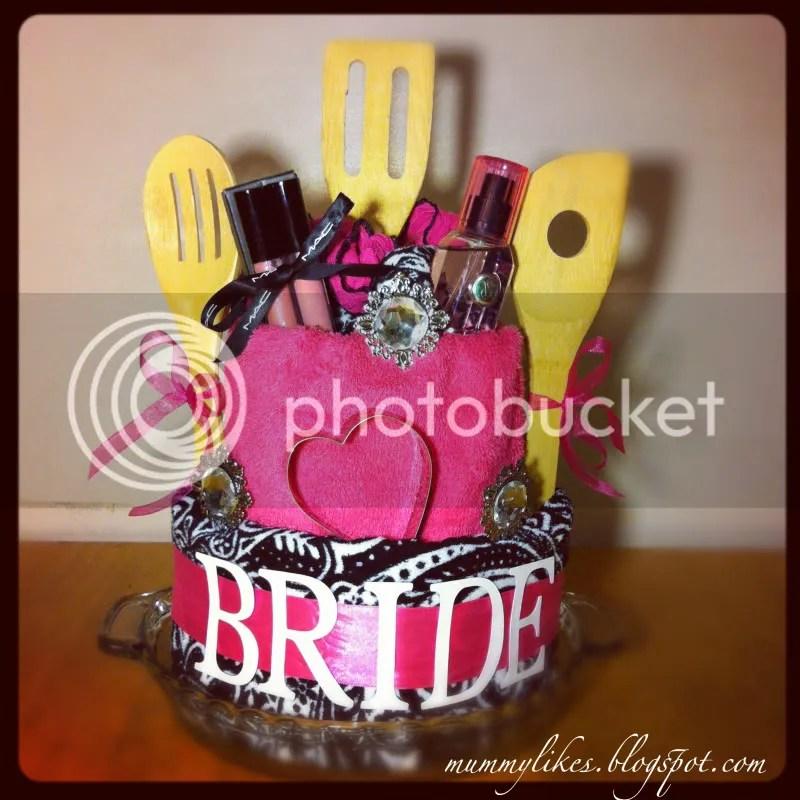 OoOo Mummy Likes DIY Bridal Shower Cake