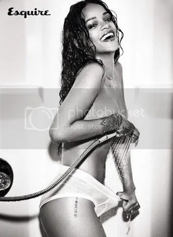 photo rihanna-esquk-6_zps367ea4fd.jpg