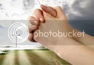 Praying photo berdoa.jpg