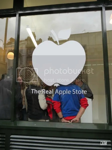photo applestore2_zpse62fd414.jpg