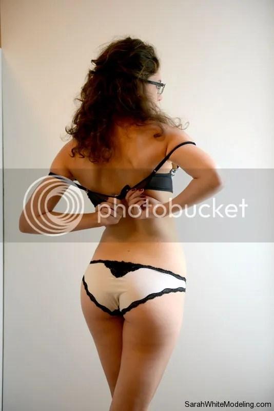 Foto Telanjang Sexy Sarah White, Naked Therapist