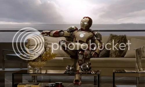 Iron Man 3 armatura sul divano