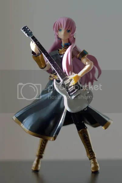 Luka jamming on her axe