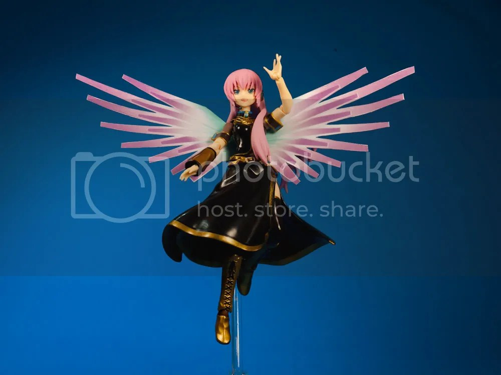 Luka flying away