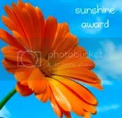 blog award- sunshine photo: Erin from PhillipsFam sunshineblogaward.png