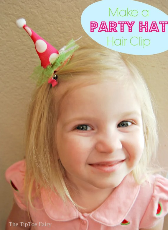 Make a Mini Party Hair Clip easily with foam sheets for fun pretend play with your little one! | The TipToe Fairy