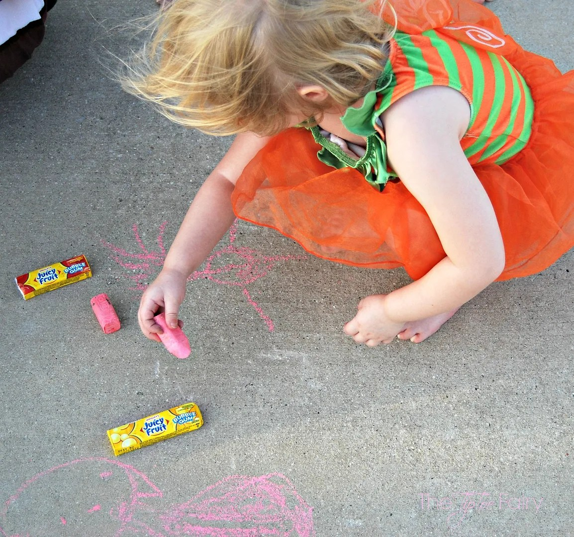 Bubble Blowing Contest | The TipToe Fairy #JuiceFruitFunSide #kidsactivities