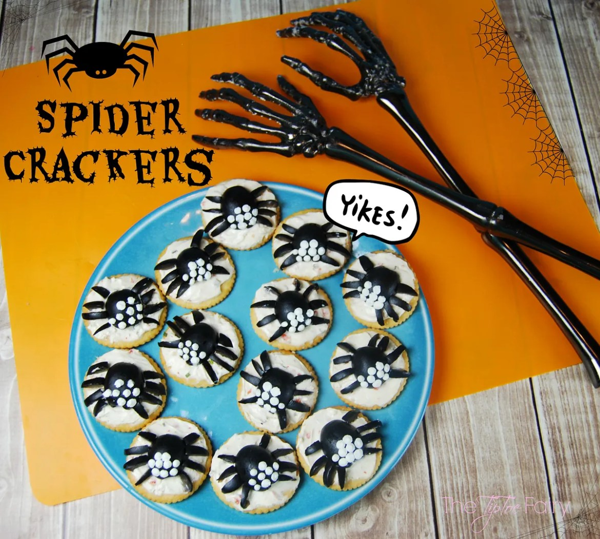 Halloween Spider Crackers with California Ripe Olives | The TipToe Fairy #CalOliveCrafts #CleverGirls #Halloweenfood #foodart #halloweentreats