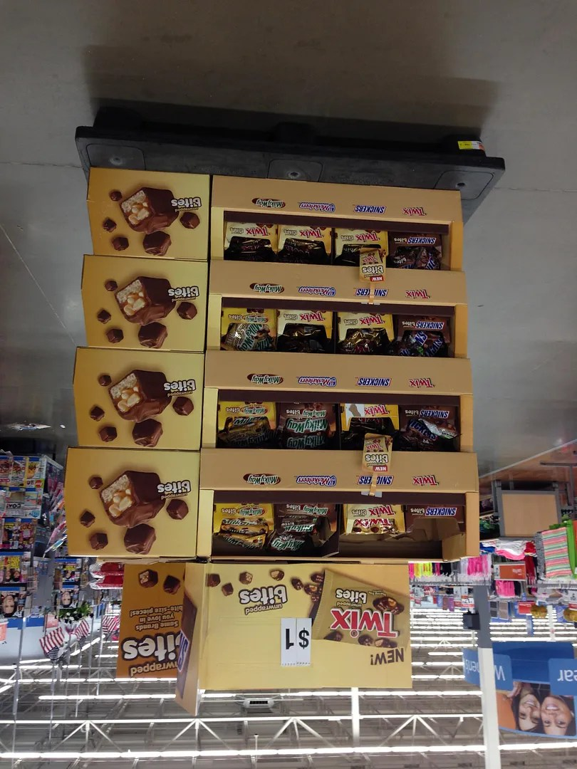 Homemade Ice Cream with Twix and Milky Way Bites #EatMoreBites #shop | The TipToe Fairy