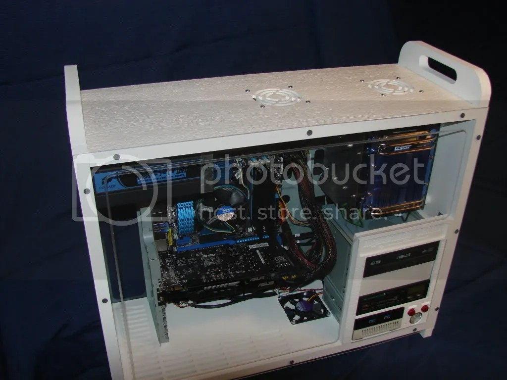 Down shot of the case showing the top air vents and carry handles