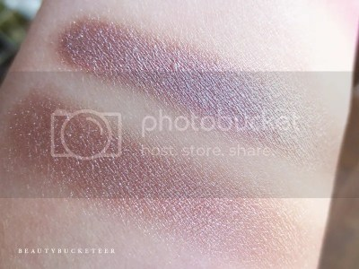 "Burberry Beauty Wet & Dry Silk Shadows No. 002 ""Nude""."