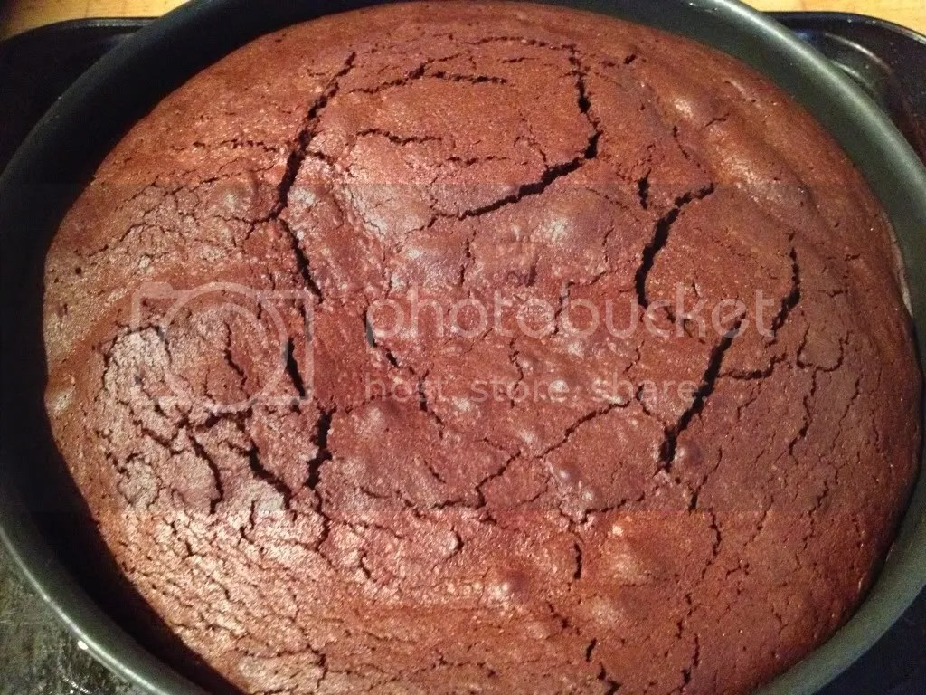 Allow thecake to cool for 10 minutes before removing from the baking dish.