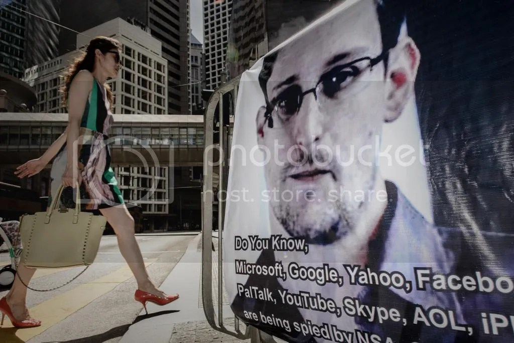 photo edward_snowden_HK_zps0f726f76.jpg