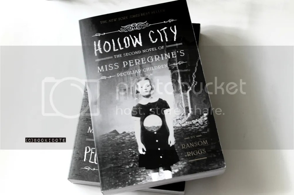 Miss Peregrine's Home for Peculiar Children and Hollow City by Ransom Riggs (2/6)