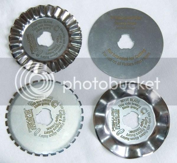 """Fiskars F9580 12"""" Desktop Rotary Paper Trimmer 9x 45mm"""