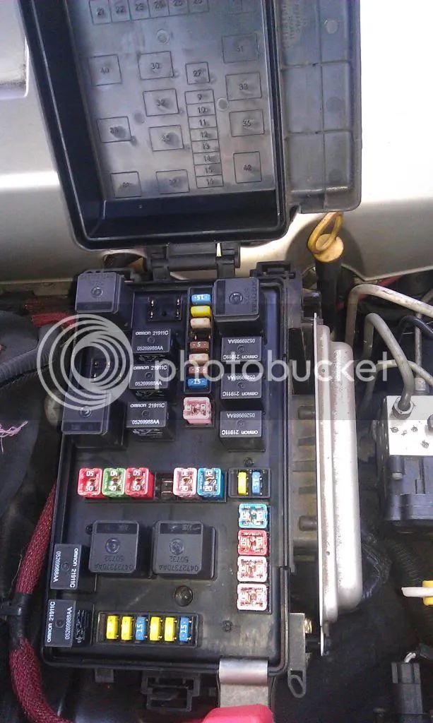 300c fuse box