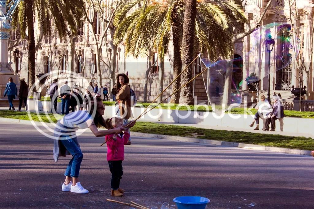 photo barcelona bubbles_zpseftjtf3l.jpg
