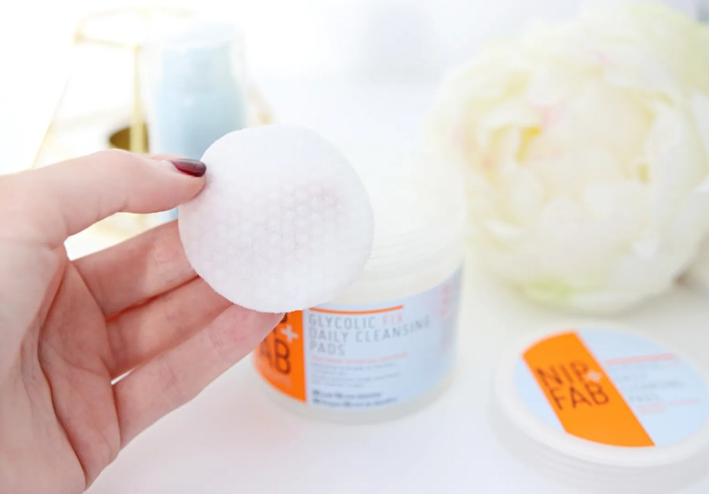 Nip & Fab Glycolic Fox Exfoliating Cleansing Pads Review