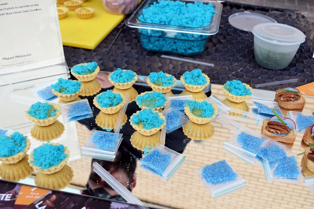 Blue crystal pastry cakes breaking bad party