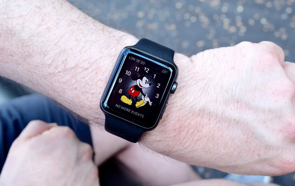 Apple watch Mickey Mouse home screen How To