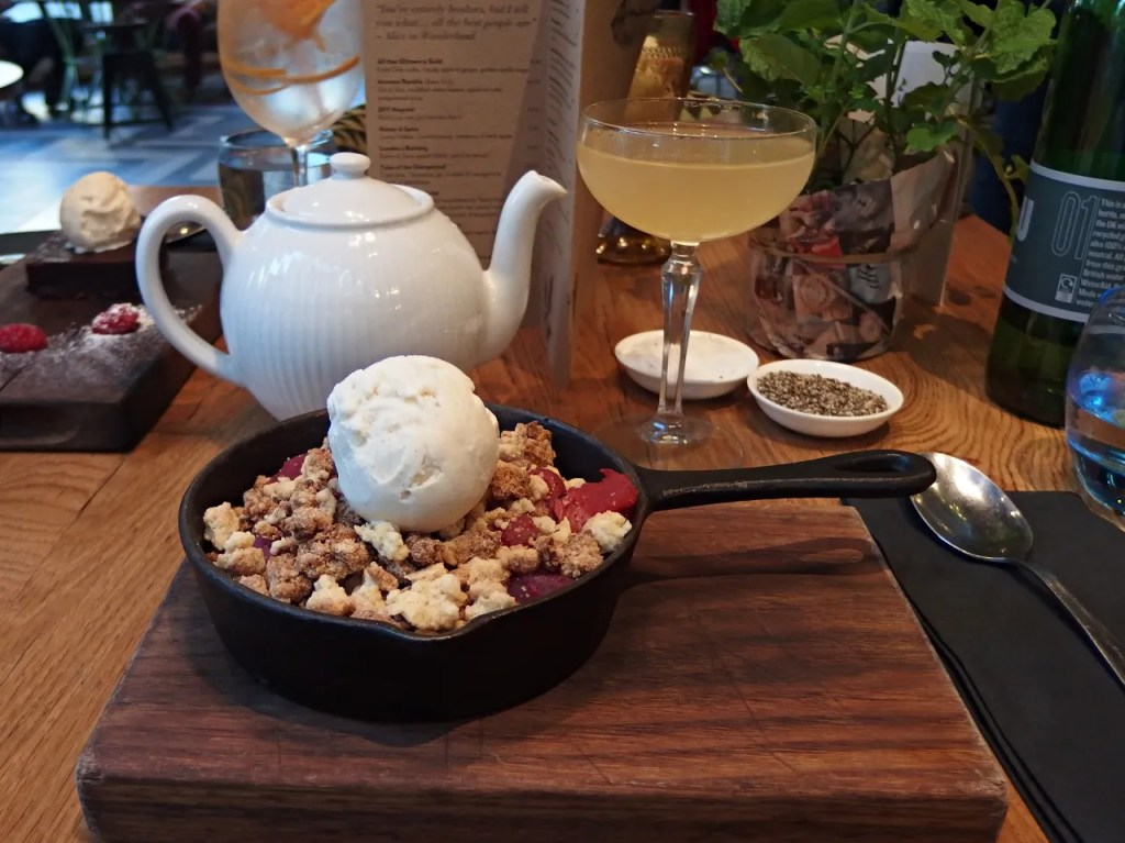 Winterberry crumble