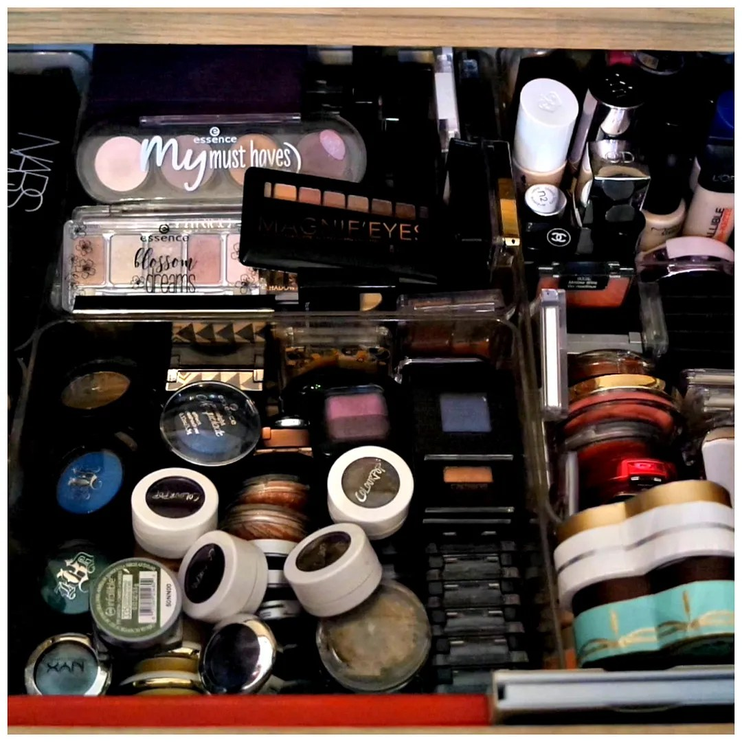photo 2017makeupcollection1_zpsqea3nldq.jpg