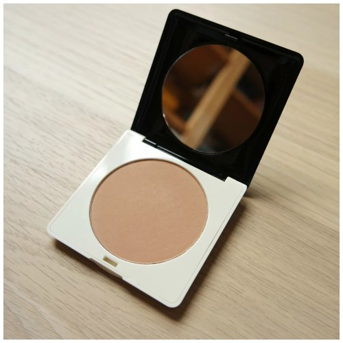 H&M Solar Flair Bronzing Powder in Sheer Tan for Sheer Coverage and a Sun-Kissed Glow