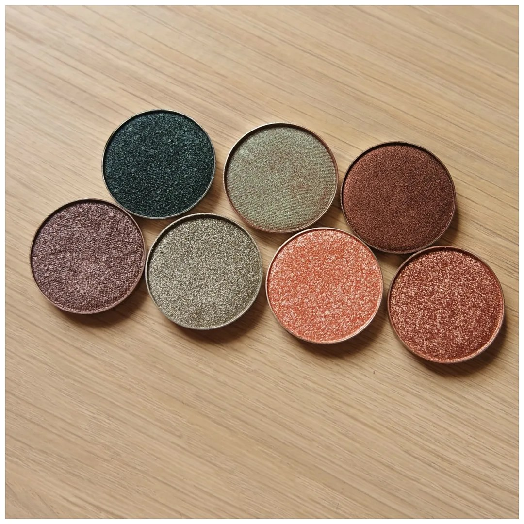 Make Up Geek Duo Chrome & Foiled eyeshadows
