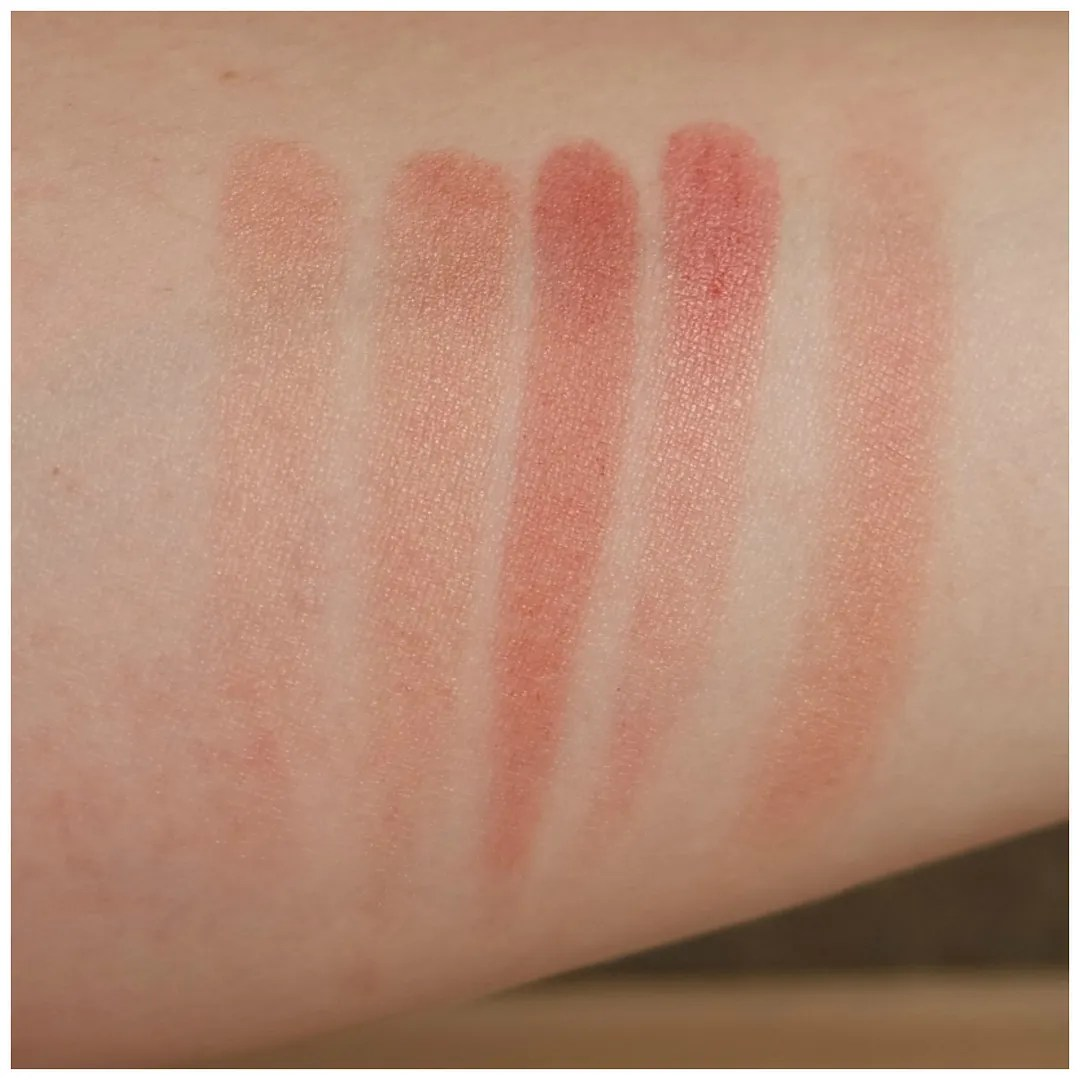 Catrice Strobing blush review swatch mrs rosalie berry