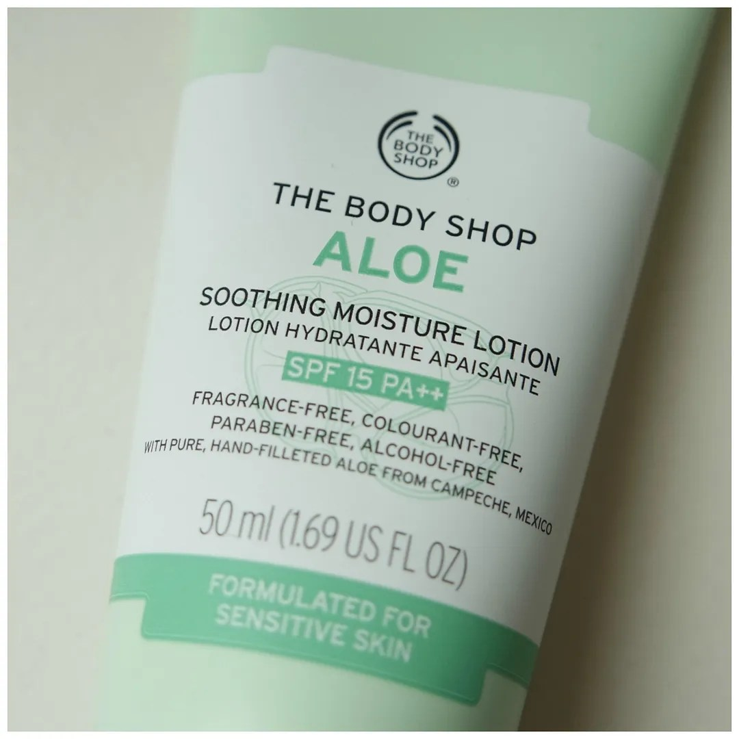 The Body Shop Aloe Soothing Moisture Lotion moisturizer aloe vera skincare review swatch