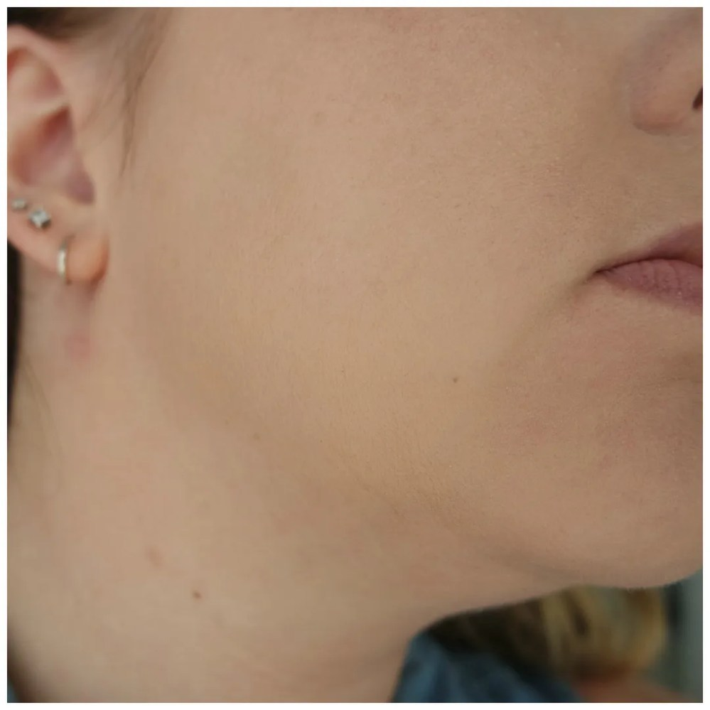 catrice hd liquid radiance foundation review swatch fair skin 010 Light Beige