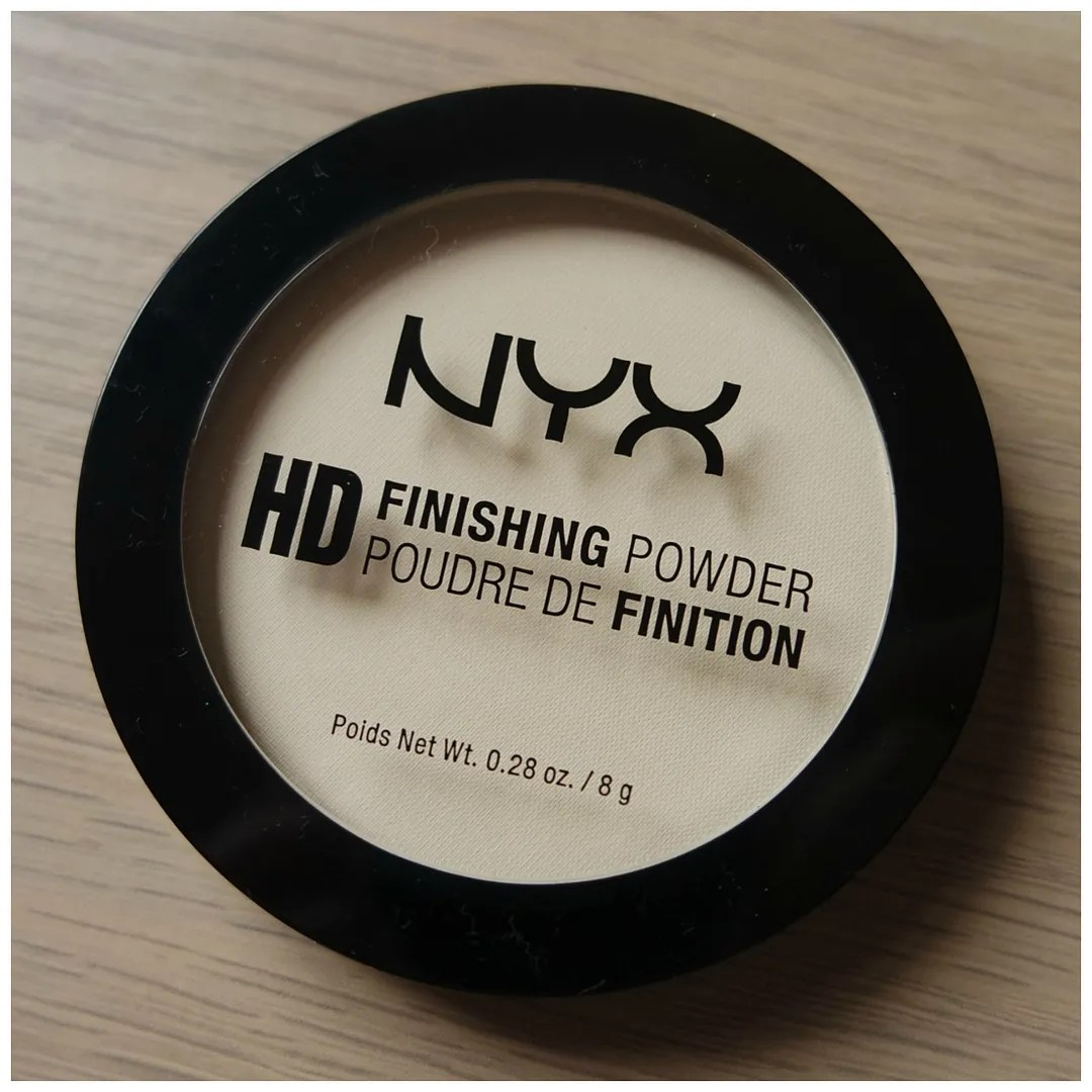 nyx hd banana powder face review swatch