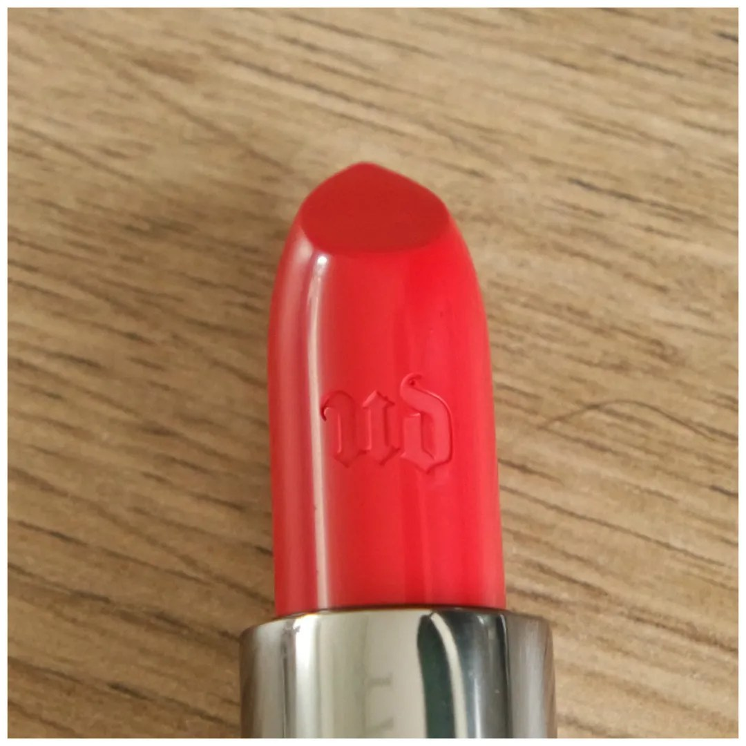 urban decay vice lipstick review swatch liar firebird menace 714 mega matte cream comfort