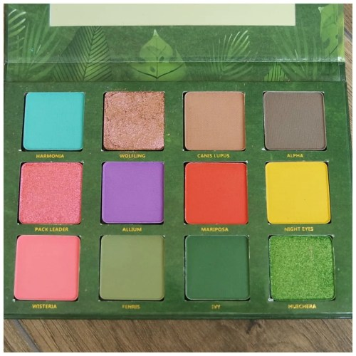 menagerie cosmetics feral eyeshadow palette review swatch makeup look 3 looks 1 palette
