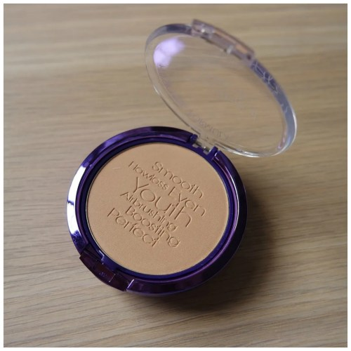 physician's formula youthful wear youthboosting face powder beige illuminating finish review swatch makeup look