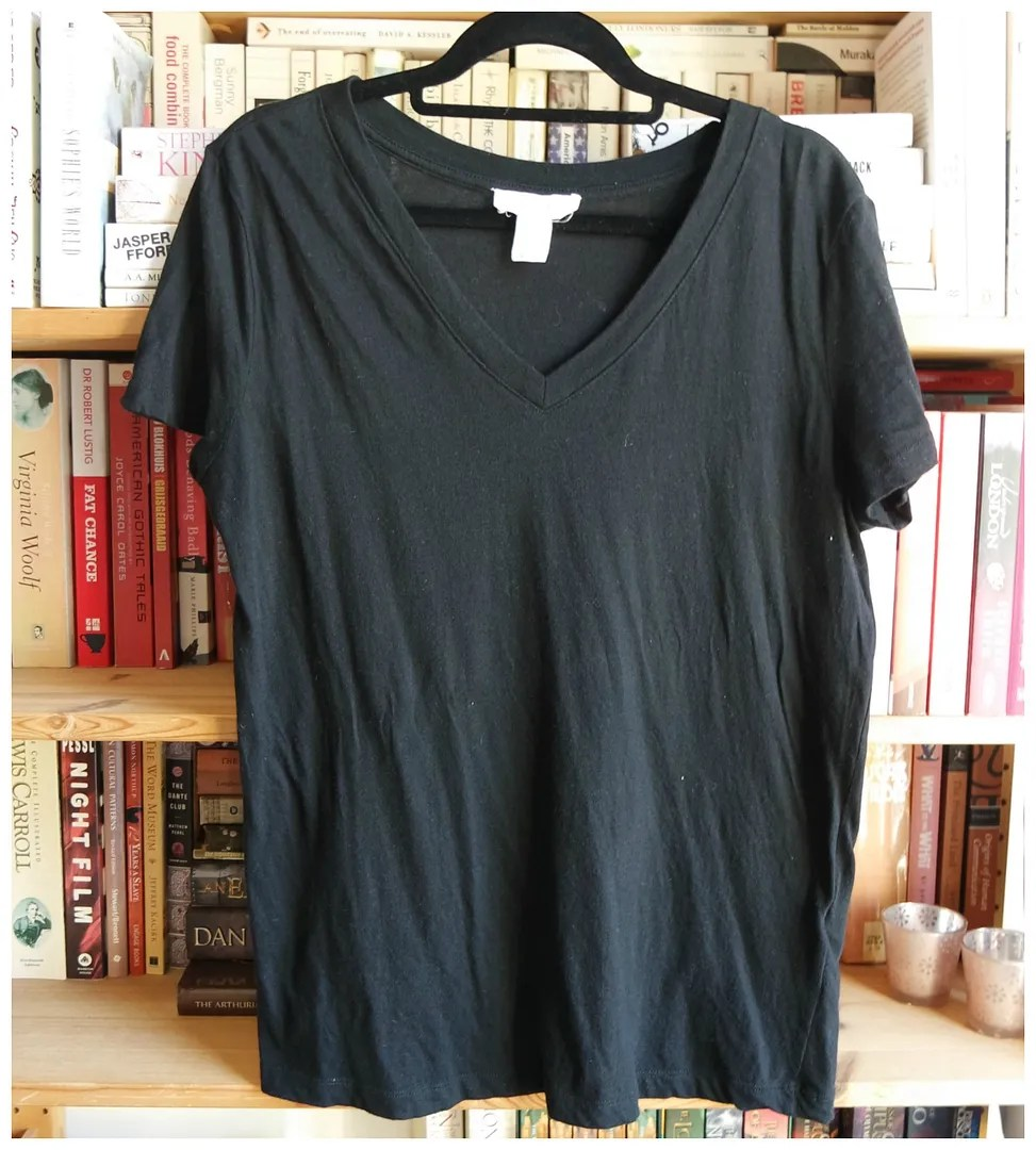styling a black tee