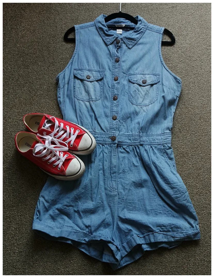 styling red converse