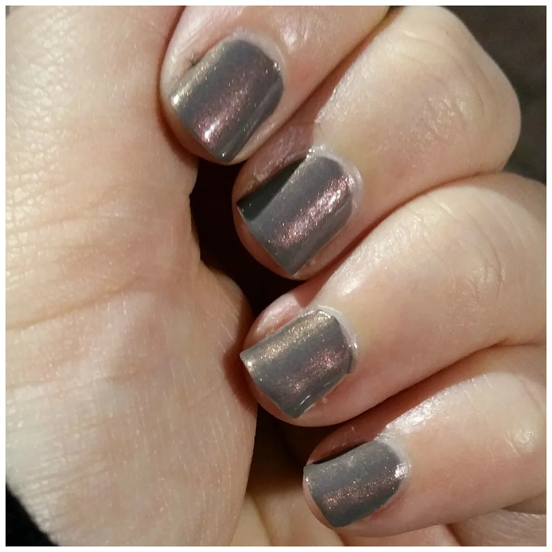 essie social lights social-lights nail polish review swatch